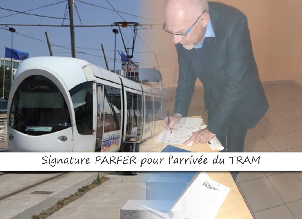 Signature Avec l'association PARFER pour l'arrivée du TRAM T3 à Villemoirieu